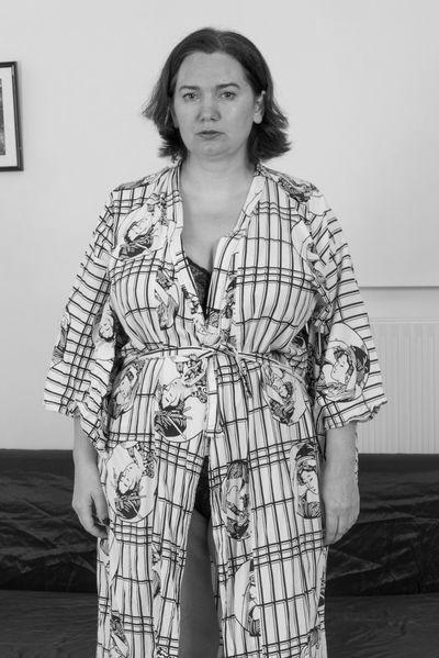 Altenpflegerin Annemarie möchte dringend lustvoll hemmungslos sein.