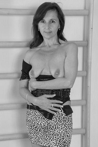 Bäckerin Antonia möchte hemmungslos durchgebumst werden.