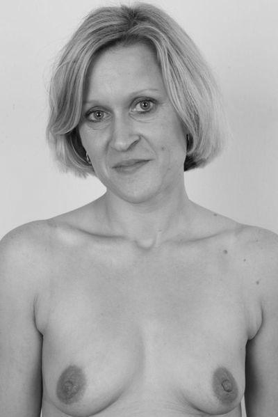 Fleischerin Friederike möchte erotisch anal genommen werden.