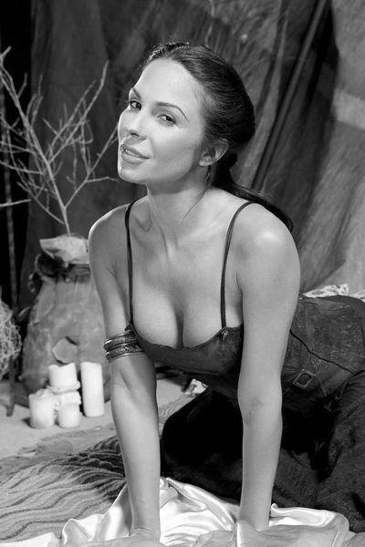 Kosmetikerin Clara will unbedingt versaut gebumst werden.