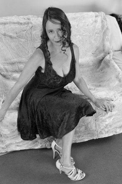 Lady Anne will dringend erotisch fummeln.