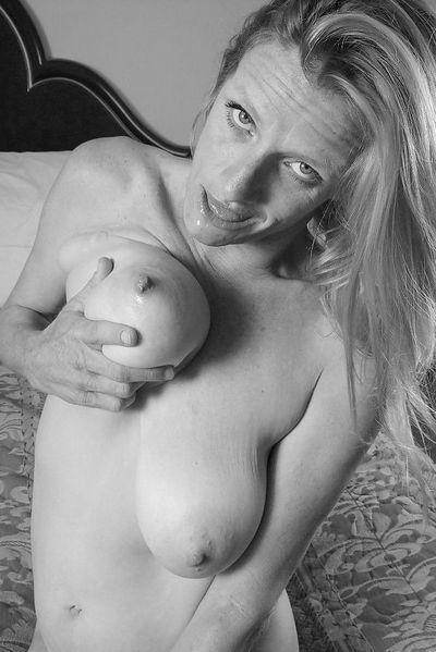 Masseurin Paula möchte umgehend heiss pimpern.