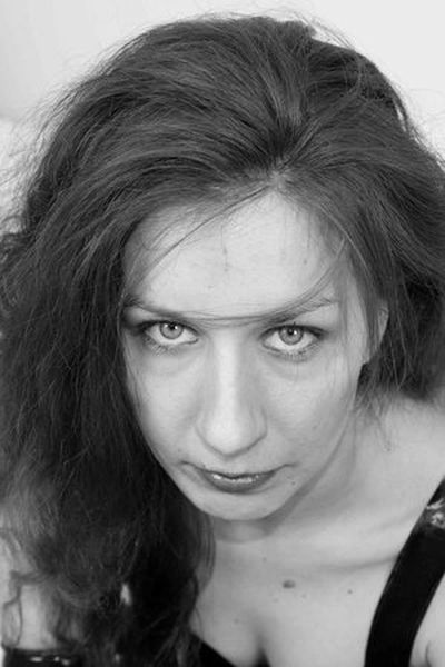 Musikerin Melina will triebhaft hemmungslos sein.