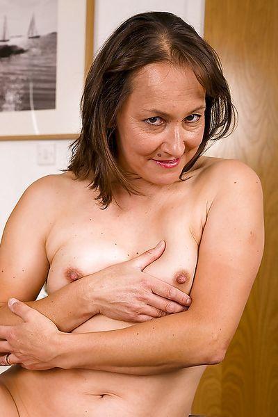 Fleischerin Berta möchte schön hemmungslos sein.