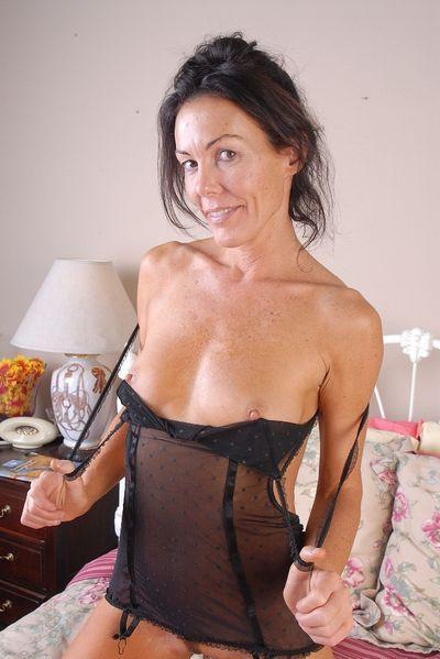 Gärtnerin Veronika will umgehend schamlos flachgelegt werden.
