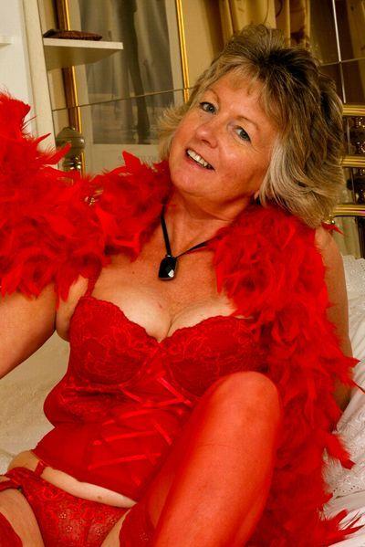 Mudda Amelie will erotisch blasen.