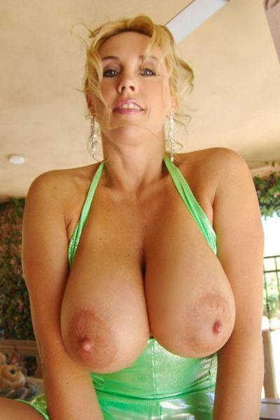 Powerfrau Svea möchte dringend erotisch gepoppt werden.