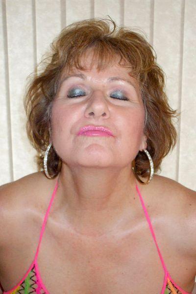Sängerin Melanie will umgehend tabulos geknallt werden.