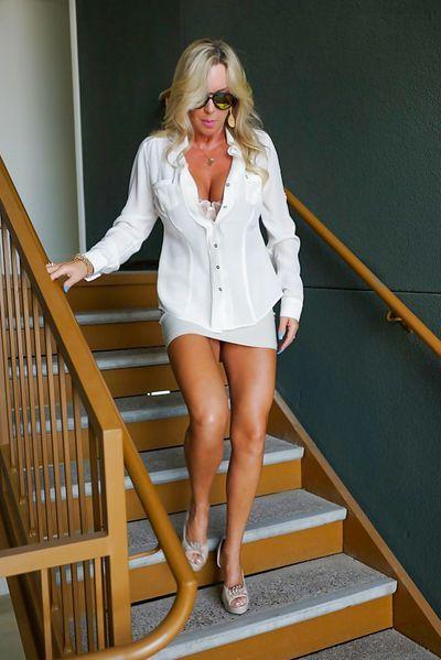 Singlefrau Meike möchte erotisch bumsen.
