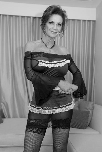 Altenpflegerin Grete will umgehend erotisch blasen