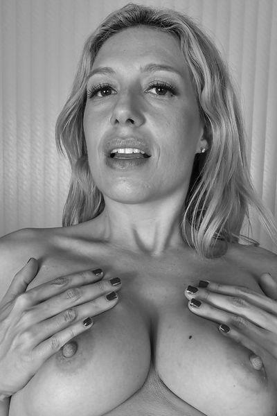 Bitch Magdalena möchte umgehend erotisch anal gevögelt werden