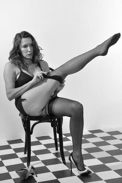 Friseurin Eva möchte umgehend sinnlich anal gefickt werden
