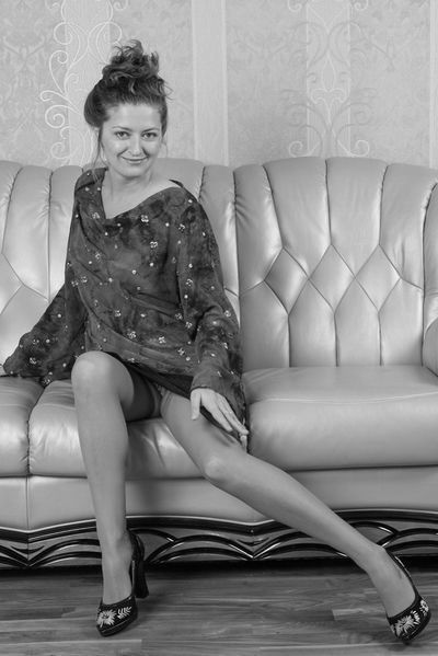 Granny Daniela will unbedingt erotisch grapschen