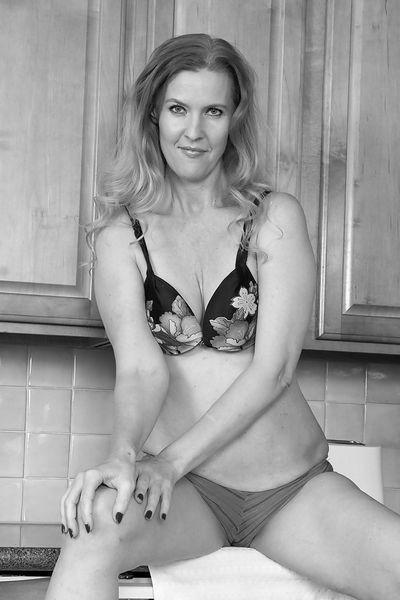 Hausfrau Louisa möchte umgehend tabulos gevögelt werden