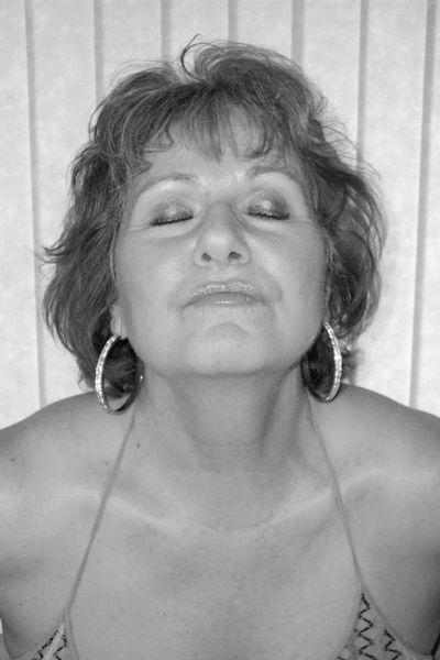 Hausfrau Meike will dringend versaut bumsen