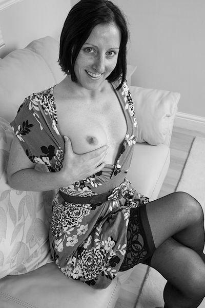 Hausfrau Olivia möchte dringend erotisch ficken