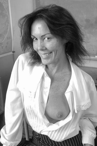 Mama Marta will umgehend geil anal gepoppt werden
