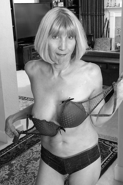 Mami Paulina möchte dringend lüstern durchgebumst werden