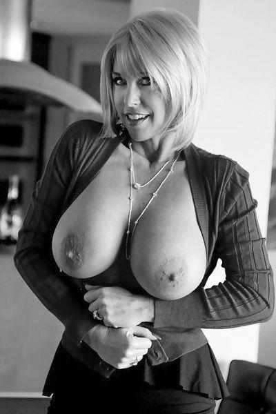 MILF Anne möchte umgehend geil bumsen