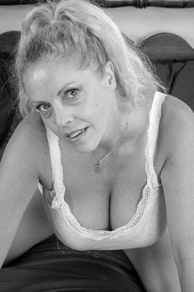 Singlefrau Katharina will umgehend tabulos flachgelegt werden