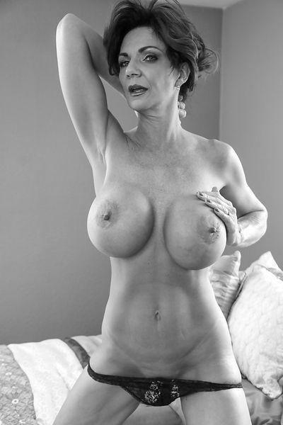 Zuckerpuppe Anastasia will dringend erotisch bumsen