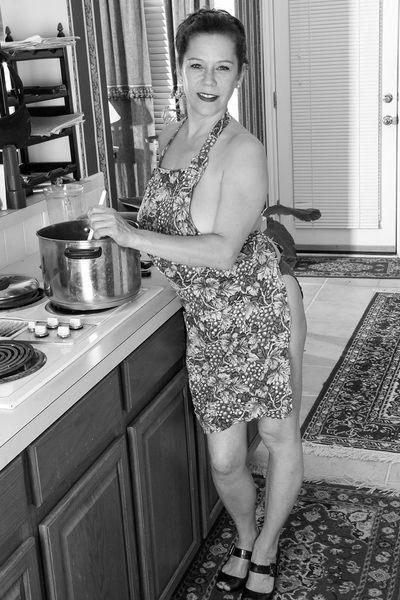 Zuckerpuppe Gloria möchte geil gefickt werden
