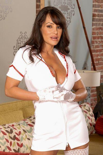 Bäckerin Vera möchte dringend erotisch von hinten gevögelt werden.