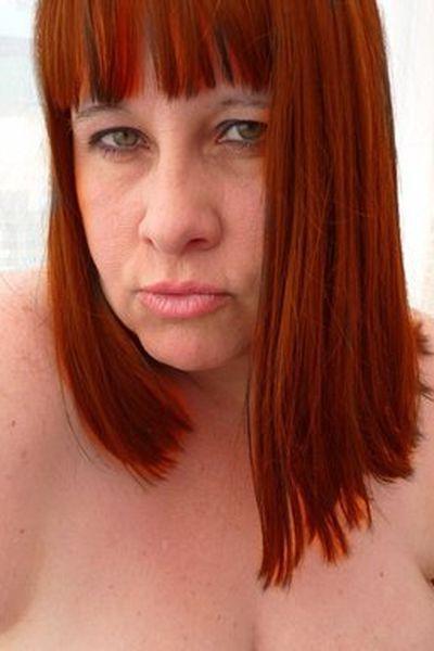 Fleischerin Karoline möchte erotisch von hinten gefickt werden.