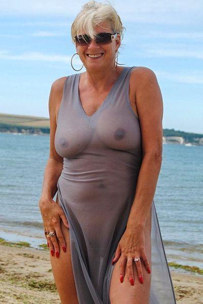 Freundin Ulrike möchte umgehend triebhaft lecken.