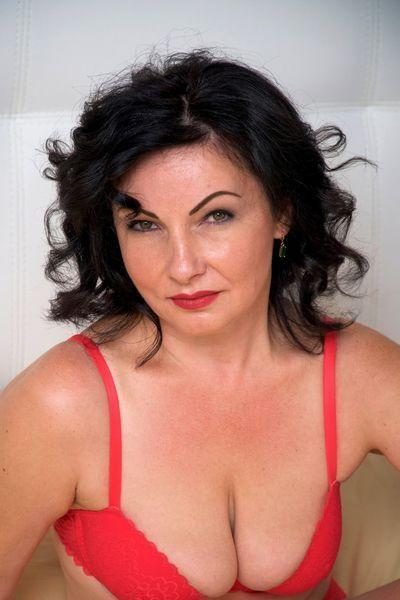 Musikerin Luise will unbedingt erotisch von hinten gepoppt werden.