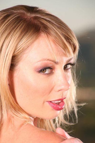Singlefrau Gabriela möchte unbedingt lustvoll durchgenudelt werden.